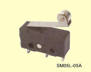 SM05L-05A Miniatűr görgőkaros mikrokapcsoló