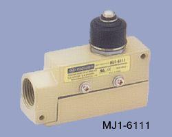 MJ1-6111 védett nyomócsapos végálláskapcsoló