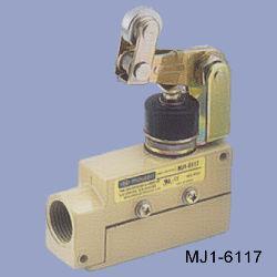 MJ1-6117 védett billenő görgőkaros végálláskapcsoló
